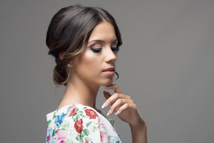 Los Mejores Peinados De Madrina Verano 2019 Peinados 2019