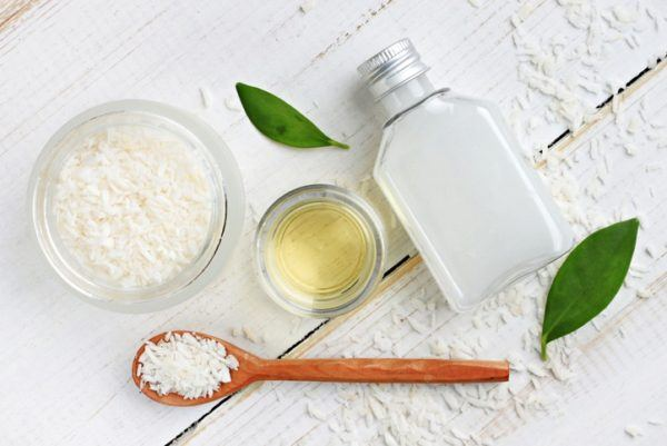 Remedios naturales prevenir canas aceite coco jugo limon