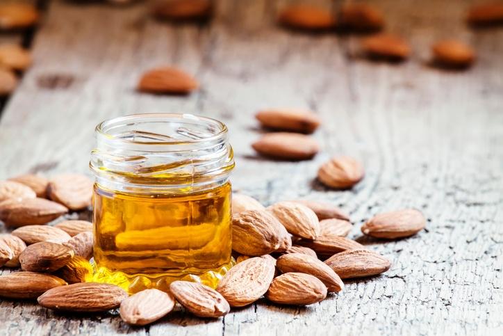 10 remedios naturales para que el pelo crezca rápido aceite almendras