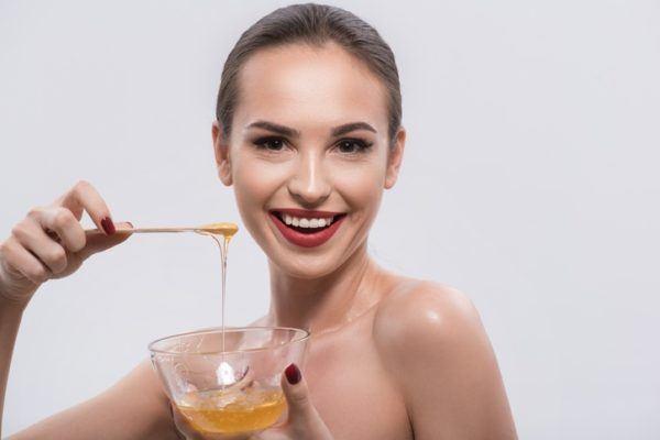 10 remedios naturales para que el pelo crezca rápido miel