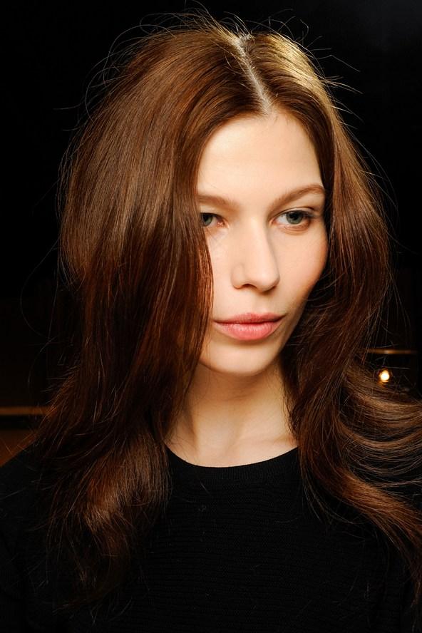 peinados-navidad-2013-melena-suelta-raya-en-medio