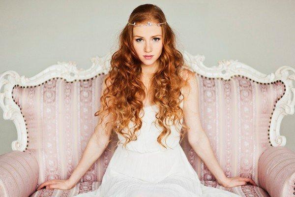 peinados-para-novias-2014-melena-suelta-ondas-diadema-frente