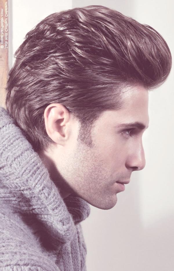 los-mejores-cortes-de-cabello-para-hombre-2014-pelo-corto-tupe-hacia-atras