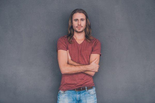 Cortes de pelo hombre hipster pelo largo