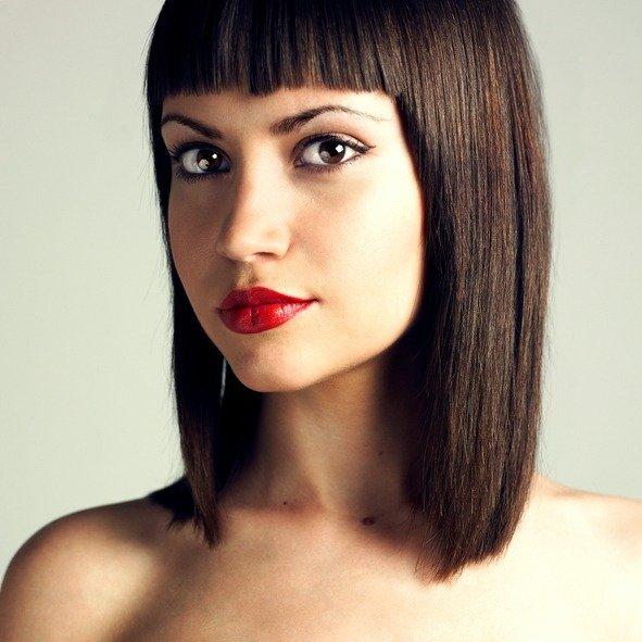 Mejores peinados con planchas pelo liso flequillo