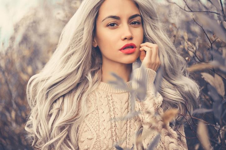 Decolorante para el pelo pelo gris