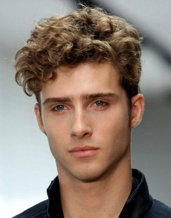 Peinados De Hombre Pelo Largo Ondulado Peinados De Moda