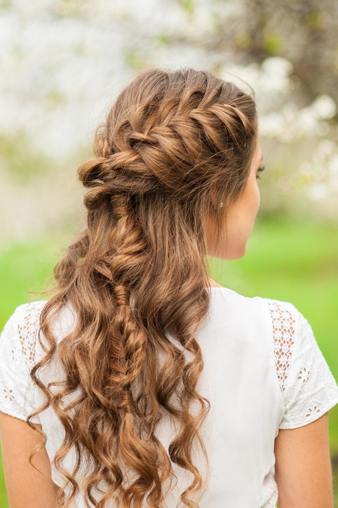 Peinados semirecogidos rizos