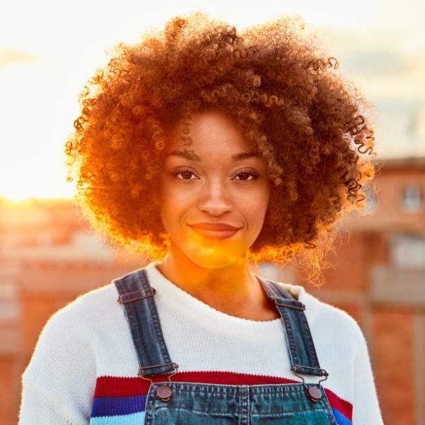 Peinados pelo rizado pelo corto afro