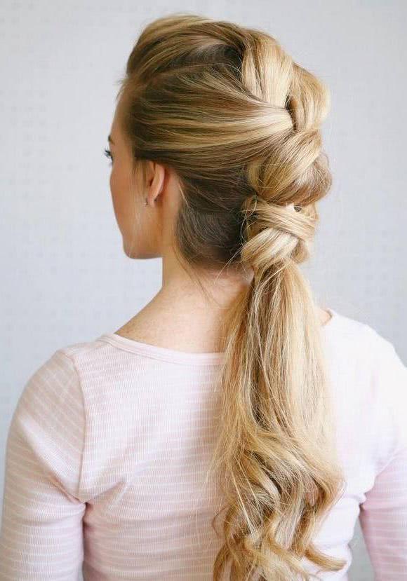 Bonito y sencillo peinados para ir de boda 2021 Colección de tendencias de color de pelo - Peinados para invitada de boda 2021 - PEINADOS 2021