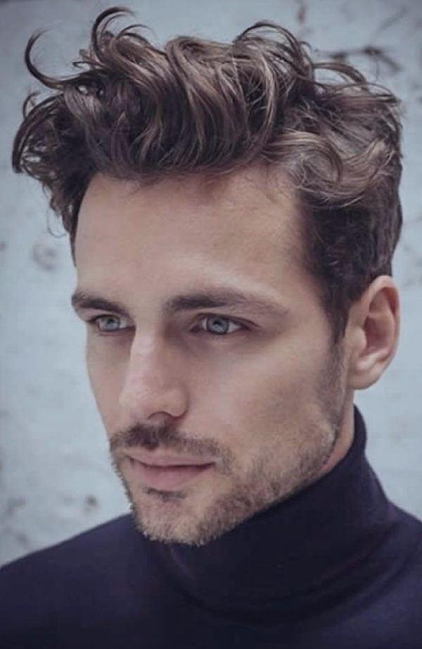 Cortes de cabello modernos para hombres colochos