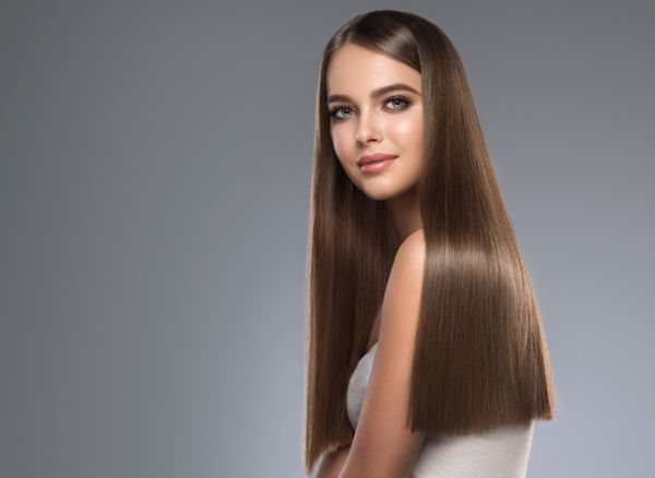 peinados-para-pelo-liso-istock