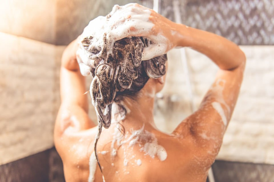 Lavar pelo rizado
